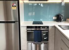 Modern appliances including F&P dish drawer, oven & 2bnr hob