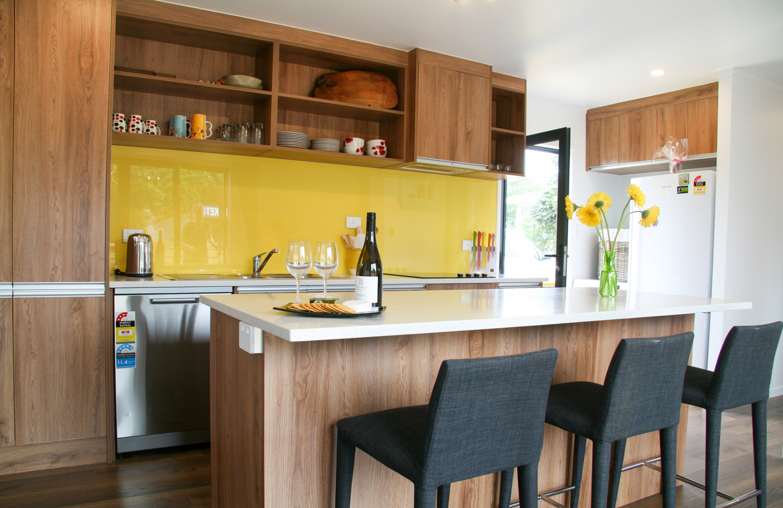 Kitchen-furnished